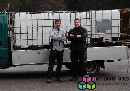 Lieferung Highlightcubes- Transport- beleuchtete IBC- beleuchtete Wassertanks- Stehtisch- Event